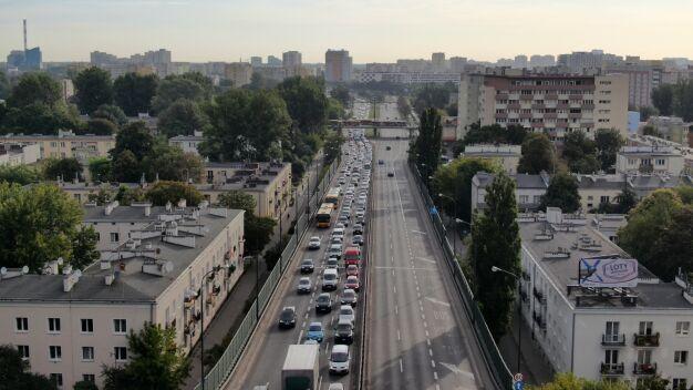 Kolizja na Łazienkowskiej, zepsuty tir na Toruńskiej