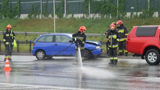 Trasa S8 stanęła w korku po zderzeniu trzech aut