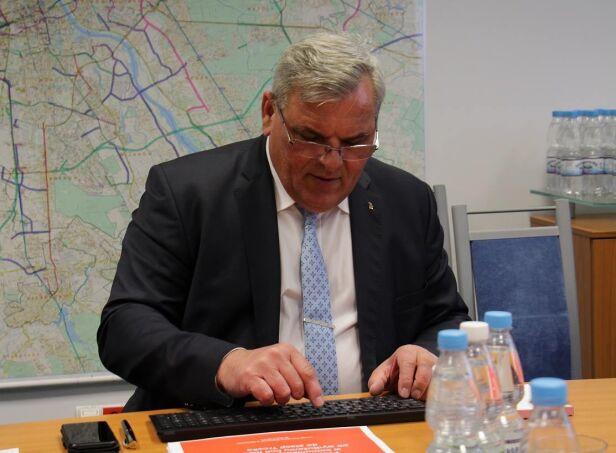 Dyrektor ZTM Wiesław Witek odpowiadał na pytania pasażerów ZTM