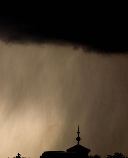 Burza nad Berlinem (PAP/EPA/FILIP SINGER)
