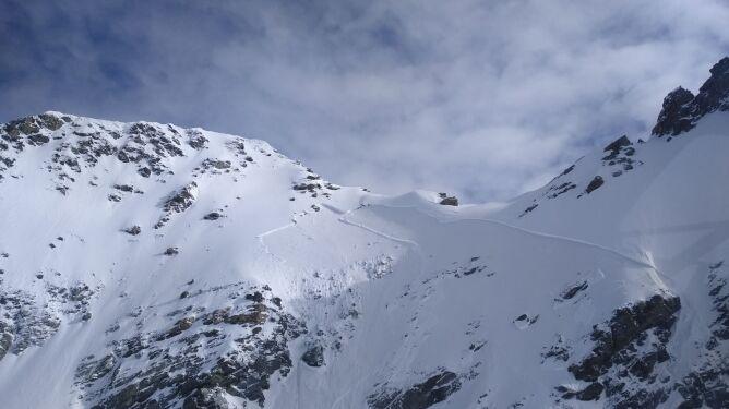 W Alpach zeszły dwie lawiny. Nie żyje siedem osób