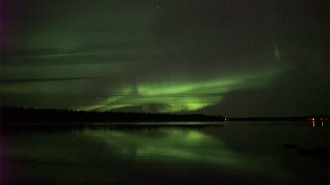 Zachwycająca zorza rozświetliła niebo w Finlandii